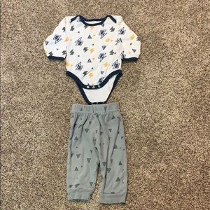 Baby Gear Lightning Bolt Outfit